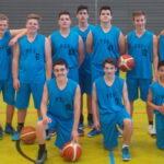 Junge Basketballer bei internationalem Turnier